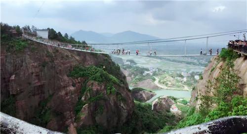思诚科技 玻璃桥景观